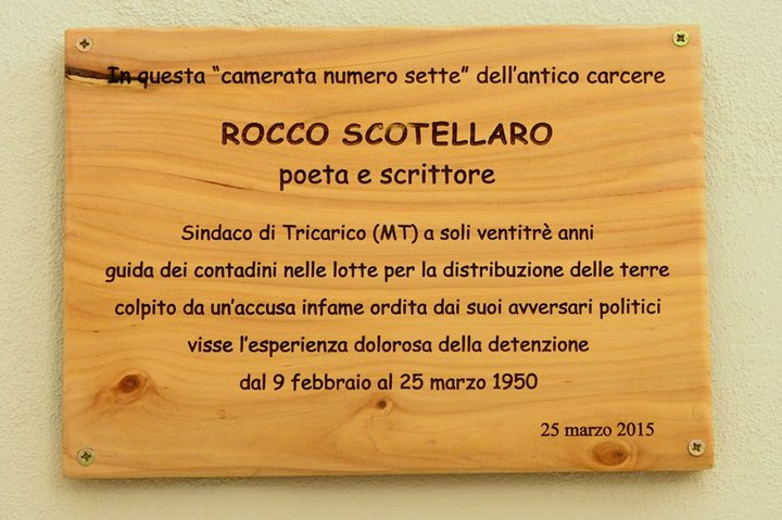 Commemorative plaque installed in the former prison of Matera