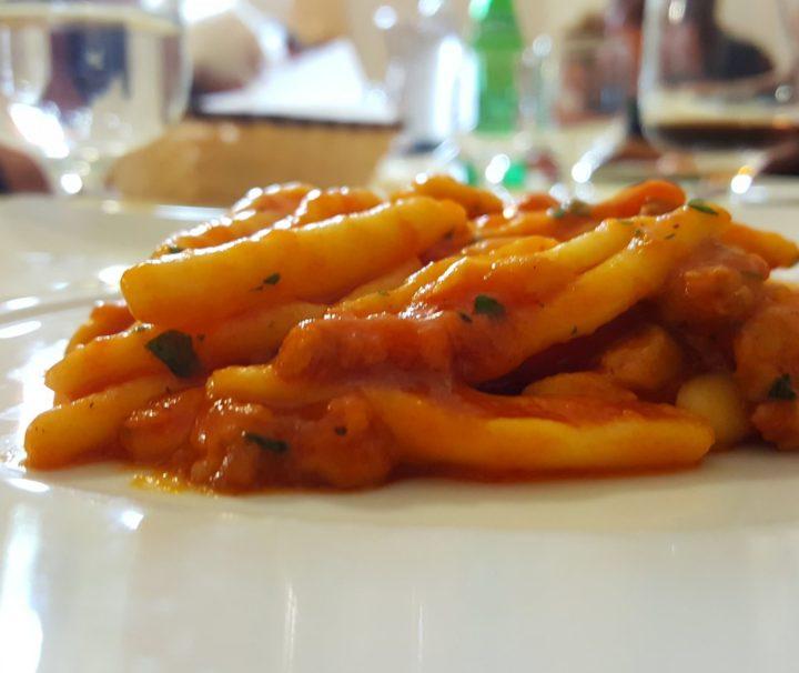 tour enogastronomico in Basilicata organizzato per chi ama i viaggi di gruppo culinari
