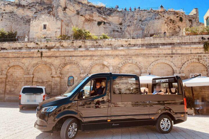 Nei Sassi con il Minivan Open Top Luxury (NCC Matera)