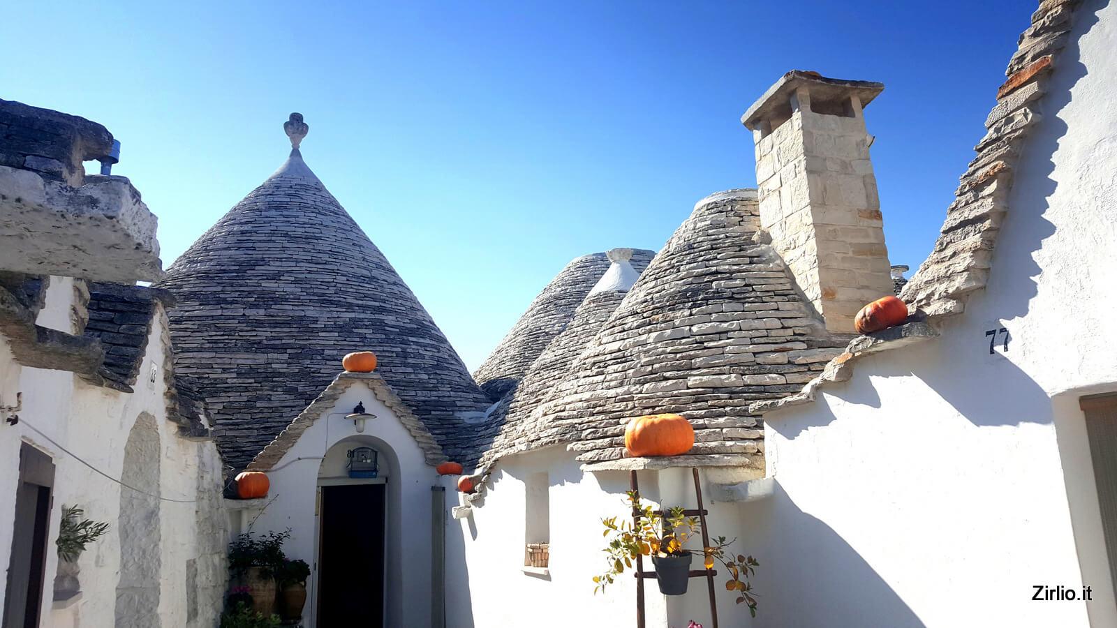 La principale attrazione turistica di Alberobello: i trulli.